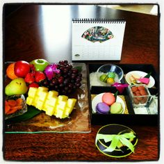 Welcome amenity, Miami Mandarin Oriental Restaurant Service, Restaurant Recipes, Hotels For Kids, Luxury Food, Hotel Amenities, Food Stations, Fruit Plate, Food Displays, Tea Ceremony