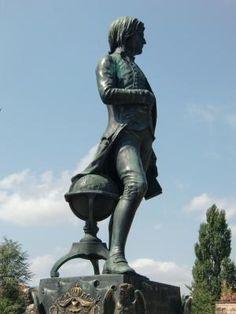 Statue de Napoléon Bonaparte par Louis Rochet . Brienne-le-Château. Aube
