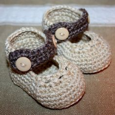 crochet baby shoes...for whenever I have a granddaughter =)