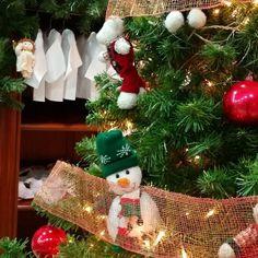 Preparant el Nadal a Nins    #nins#ninsmanresa #modainfantil #moda#instadaily #instalike #instagood #christmas #christmastime #santaclaus #tradicions #happiness #thebesttimeoftheyear #december #snow#winter #arbre #tree #lights #christmastree #family #news #newthings #coolkids #cool #ootd #ootdkids #aw1718 #kidswear