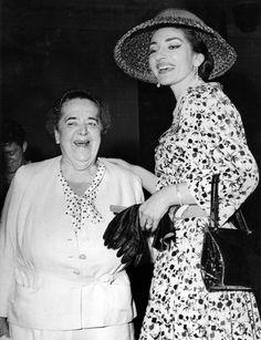 Maria Callas con la giornalista Edda Maxwell nel 1958