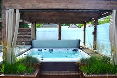 20 Decent Outdoor Winter Hot Tub Design Ideas # and Exterior Soaking in an outdoor hot tub is a very enjoyable activity. Especially in winter, soaking in hot water is a very suitable thing to do with the family. Hot Tub Gazebo, Hot Tub Backyard, Hot Tub Garden, Backyard Pool Landscaping, Landscaping Ideas, Hot Tub Privacy, Deck With Pergola, Pergola Patio, Pergola Ideas
