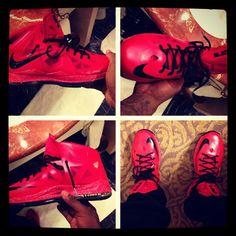 > Lebron reveals Nike LeBron X Red/Black -