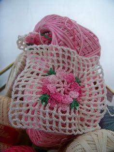 Crochet flower on crochet netting  Inspiracion ༺✿ƬⱤღ  https://www.pinterest.com/teretegui/✿༻