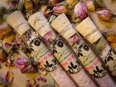 Rose bath salt shots // botanical wedding favours // the natural wedding company Wedding Favours Shots, Handmade Wedding Favours, Seed Wedding Favors, Wedding Favors Cheap, Rose Bath, Cheap Favors, Candle Favors, Wedding Company, Botanical Wedding
