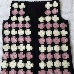 This Pin was discovered by HUZ Crochet Lace Dress, African Flowers, Jacket Pattern, Crochet Granny, Crochet Clothes, Knit Cardigan, American Girl, Shawl, Diy And Crafts