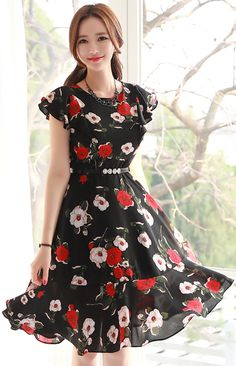 StyleOnme_Floral Print Ruffle Sleeve Flared Dress #black #floral #dress #elegant #pretty #feminine #koreanfashion #kstyle #springtrend #kfashion #seoul #dailylook