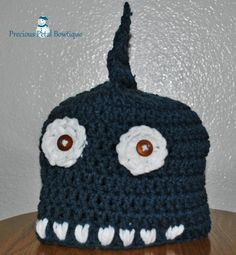 Shark beanie with button eyes and teeth Button Eyes, Diaper Covers, Shark, Crocheting, Crochet Hats, Beanie, Sewing, Caps Hats, Teeth
