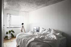 Cool and Calm #concrete #bedroom #inspiration