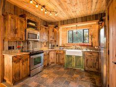 Modern Rustic Cabin Interiors | ... decor log cabin kitchens log cabin kitchens and baths modern log cabin