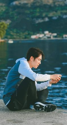 Wallace Chung, Video Clip, Disney Characters, Fictional Characters, Actors, Couple Photos, Disney Princess, Couples, Music