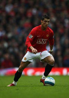 Manchester United Legends, Manchester United Football, Champions League Semi Finals, Uefa Champions League, Ronaldo Free Kick, Ronaldo Photos, Cristiano Ronaldo Wallpapers, Football Icon, Trafford