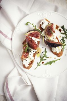 Garlic rubbed Bread with Ricotta Cheese and fried Figs.