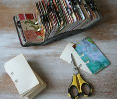 "turn a vintage rolodex into an art ""scrapodex"". You could do this with material, yarn, ribbons you have. Altered Books, Altered Art, Altered Tins, Book Journal, Art Journals, Bullet Journals, Handmade Books, Handmade Journals, Handmade Rugs"