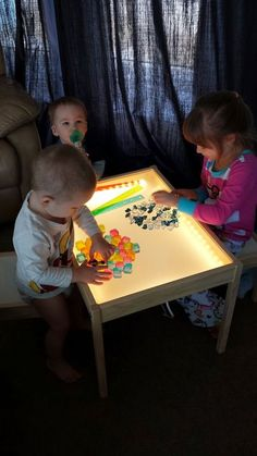 Hobby Mommy Creations: DIY Light Table - IKEA Hack Definitely doing this someday! Toddler Fun, Toddler Activities, Sensory Activities, Diy Light Table, Light Table For Kids, Diy Luz, Diy Lampe, Home Daycare, Diy For Kids