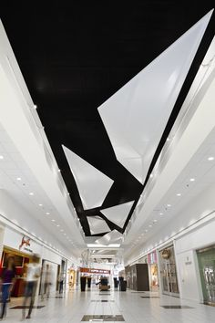 Faceted Ceiling Shopping Mall Interior, Shopping Malls, Retail Interior, Mall Design, Retail Design, Store Design, House Design, Contemporary Architecture, Interior Architecture