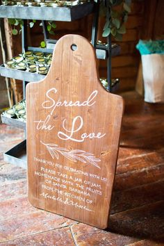 7 Wooden Serving Board Ideas For Your Rustic Wedding | Brides