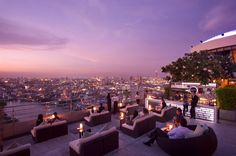 Enjoy fine hotel dining at Millennium Hilton Bangkok. Our hotel restaurant in Bangkok offers cooked to order breakfast, lunch and dinner. Bangkok Bar, Rooftop Bar Bangkok, Best Rooftop Bars, Rooftop Restaurant, Bangkok Thailand, Thailand Vacation, Terrasse Design, Travel, Thailand
