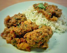 """""""Σουτζουκάκια Σμυρνέικα με σάλτσα μελιτζάνας, δυόσμο και πιλάφι. #soutzoukakia #meatrolls #smyrneika #izmir #pilaf #rice #sauce #eggplants #spearmint #cumin…"""""""