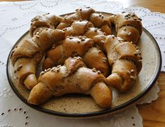 kudy-kam...: Špaldové rohlíky French Toast, Cookies, Breakfast, Desserts, Food, Breakfast Cafe, Tailgate Desserts, Biscuits, Deserts