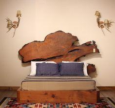 meubles bois massif fossilisé- tête de lit originale en bois pétrifié authentique