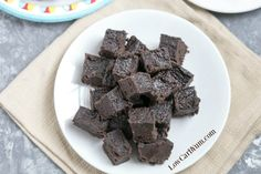 Satisfy your sweet tooth with this heavenly cream cheese dark chocolate keto fudge. It's a delicious low carb treat with only 1 gram net carb per square.
