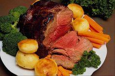 Nanas are the best at Sunday Roasts Sunday Roast Dinner, Roast Beef Dinner, Rib Roast, Oven Roast, Meat Recipes, Wine Recipes, Gourmet Recipes, Gourmet Meats, Venison Recipes