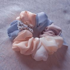 Baby Pink Aesthetic, Aesthetic Colors, Aesthetic Girl, Diy Hair Scrunchies, Mode Kpop, Look Girl, Accesorios Casual, Diy Hair Accessories, Cute Outfits For Kids