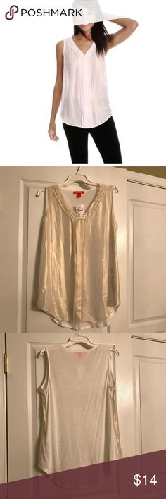 """🌟SPARKLE TANK🌟 NWT! JOE FRESH, OFF WHITE L NEW WITH TAGS: JOE FRESH """"SPARKLE TANK"""" - OFF WHITE - L! *Please see item photos for color*  joefresh.com: """"Look frilling this season in our sparkling tank adorned with ruffles - Ruffle tank - V-neck - Ruffle neckline and down center front - Front: Georgette - Back: Jersey - Front: 100% poly - Back: 65% poly/35% rayon - Hand wash""""  SMOKE FREE home!  (We have cats.)  I package carefully, ship quickly, and give FREE GIFTS w/ PURCHASE!  Please ask…"""