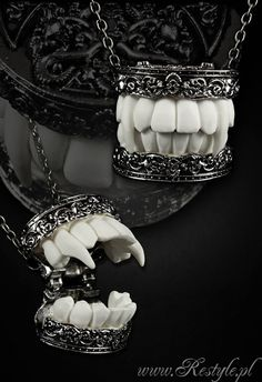 Locket pendant vampire teeths 3D Fangs Gothic necklace Dracula Vampire