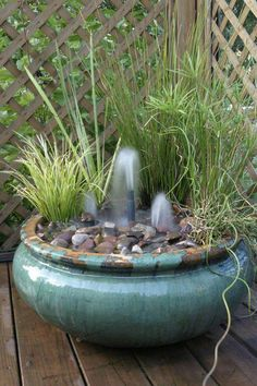 Make a pretty container water garden fountain. Create a beautiful container water garden fountain like this one from Aquascape (found via Hometalk). There's just something about the sound of a fountain that's so relaxing. Diy Water Fountain, Garden Water Fountains, Fountain Ideas, Fountain Cake, Patio Fountain, Fountain Design, Outdoor Fountains, Container Water Gardens, Container Gardening