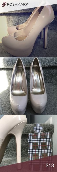 """Nude platform heels Nude JustFab platform heels with a 6"""" heel and a 1"""" platform. They're a little Scuffed up at the front, which happens to pleather but overall they are in good condition. JustFab Shoes Platforms"""