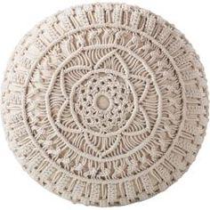 Pouf Castelo - - Welcome to the World of Decor! Macrame Design, Macrame Art, Macrame Projects, Macrame Knots, Micro Macrame, Pouf En Crochet, Macrame Patterns, Plant Hanger, Mandala
