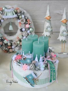 Creating a Rustic Winter Christmas Centerpiece can be easier than you think. Come see these creative ideas for creating your own Rustic Winter Centerpiece! Rose Gold Christmas Decorations, Christmas Advent Wreath, Christmas Candles, Christmas Love, Winter Christmas, Vintage Christmas, Christmas Crafts, Winter Centerpieces, Navidad Diy