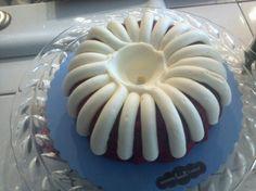 Nuthin bundt cakes: red velvet