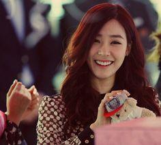Tiffany Hwang SNSD/Girls' Generation Eyesmile Queen