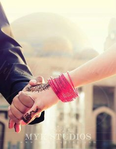 Aankh khultty hii yaad aa jaty ho hand in hand in Cute Couple Quotes, Cute Couple Pictures Tumblr, Hand Pictures, Couple Picture Poses, Couple Shoot, Sweet Couple, Love Couple, Wedding Pics, Wedding Couples