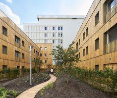 Transformação de um Edifício de Escritórios em 90 Apartamentos / MOATTI-RIVIERE