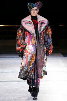 Yohji Yamamoto Fall 2014 Ready-to-Wear Collection Slideshow on Style.com