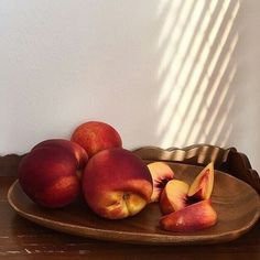 Photo simple steps to earn more Simple ways to earn from teaching Simple ways to become an online teacher Simple way to earn money easy way to earn money May 15 2020 at Peach Aesthetic, Aesthetic Food, Fresco, Healthy Fruits, Healthy Recipes, Good Food, Yummy Food, Just Peachy, Raw Vegan