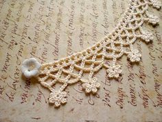 Items similar to Crocheted Flower Necklace Collier / White Cotton Cream / Romantic White Flower Button / Victorian Inspired Choker / Valentine& Day Gift for Her on Etsy - Crochet Flower Necklace Choker / Cream by MaybeTheWhiteDog More - # Col Crochet, Crochet Diy, Crochet Collar, Crochet Borders, Crochet Crafts, Crochet Stitches, Crochet Projects, Crochet Lace Edging, Crochet Designs