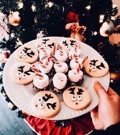 ↞⋅Pinterest: rayne1618⋅↠ Christmas Mood, Noel Christmas, Christmas Snacks, Christmas Time Is Here, Merry Little Christmas, All Things Christmas, White Christmas, Christmas Baking, Christmas Cookies
