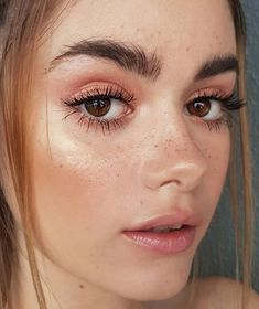 #naturalbeautytipsimple #beautytipsforwomen #beautytipsforwomenface #beautytipsforwomenWeightLoss #NaturalBeautyTips #BeautyTipsForWomen Perfect Brows, Glowing Skin, Freckles, Best Makeup Products, Makeup Looks, Eye Makeup, Eyes, Nature, Face