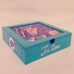 Tea box - @EtsyItalia Team - #wood #teabox #te #teatime #radiantorchid #legno #tea #the #box #scatola #home #handmade #woodworking #food #teapot #cupoftea #teabags #teainspirations #decor #tearoom #etsy #teaparty #twinings #blue #collection #fruit #summer #pink #purple #raspberry #blueberry #turchese #fucsia #turquoise #glass #instagram #vintage #shopping #woodenteabox #teabagsachets #giftideas #cajiata #drinktea #tealovers #teaset #teaforme #valentine
