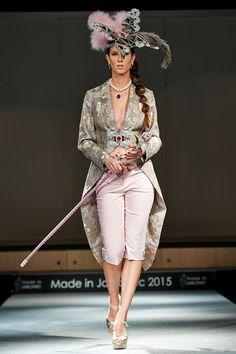 www.cz www.cz www. White Jeans, Capri Pants, Swarovski, How To Make, Fashion, Capri Trousers, Moda, La Mode, Fasion