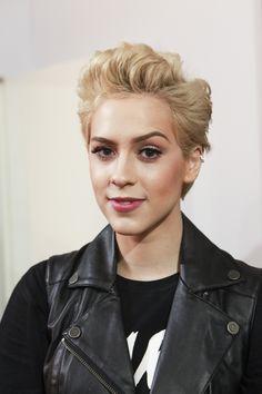 Com novo visual, Sophia Abrahão terá que usar peruca em novela