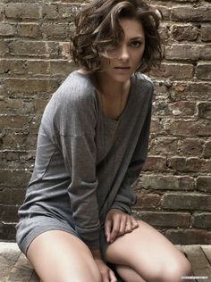 Marion Cotillard's beautiful short curly locks- If I ever cut my hair, I wish it would look like this!