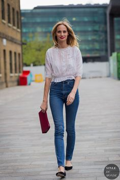 Those high waisted pants and cropped peasant top. In love!