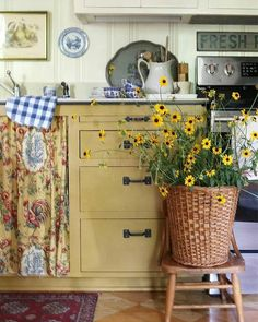 Budget reno: keep cabinets Mustard milk paint lowers, white uppers - DIY Cozy Cottage, Cottage Living, Cottage Style, Cottage Ideas, Living Room, French Country Kitchens, French Country Decorating, Country Style Homes, Country Life
