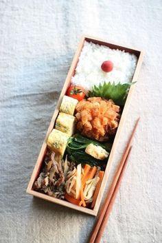 Japanese Bento Boxed Lunch お弁当 Bento Recipes, Cooking Recipes, Bento Ideas, Lunch Ideas, Cooking Tips, Japanese Bento Box, Japanese Food, Kawaii Bento, Boite A Lunch